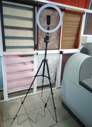 Светодиодная кольцевая лампа