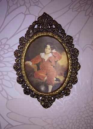 Картина с изображением мальчика на шелке в мет.оправе.Италия