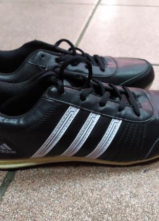 Кроссовки черные 39 размер
