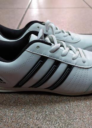 Кроссовки белые 39 размер