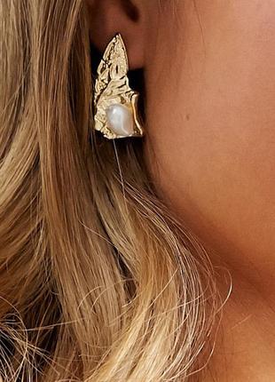 Сережки перлини, серьги гвоздики с жемчугом pieces с сайта asos