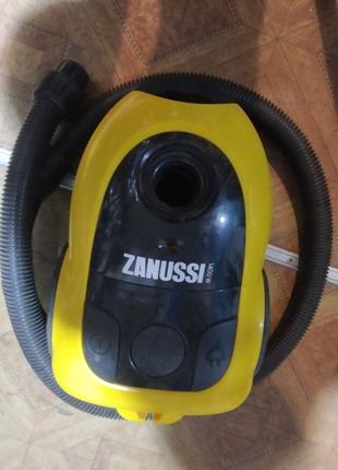 Пылесос Zanussi ZAN 2300 1400w
