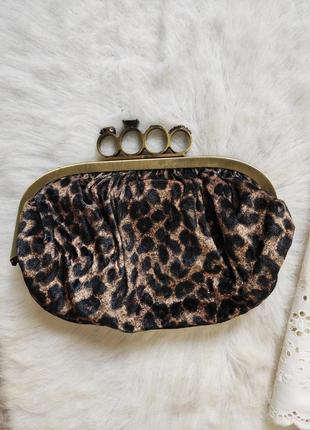 Леопардовый бархатный клатч с кастетом кольцами маленькая сумо...