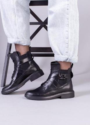 Женские кожаные ботинки на шнурках