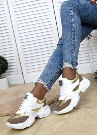 Женские кожаные кроссовки . кроссовки белые с золотом