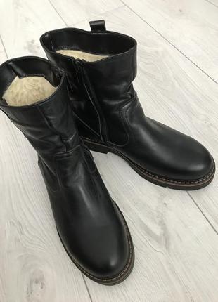Ботинки, черные зимние ботинки, теплые ботинки.