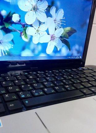 Нетбук 12.1 Asus 1215B  AMD C-50 Ontario (2x1.0Ghz) 4Gb 750Gb