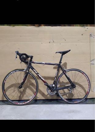 Olmo карбоновый шоссейный велосипед