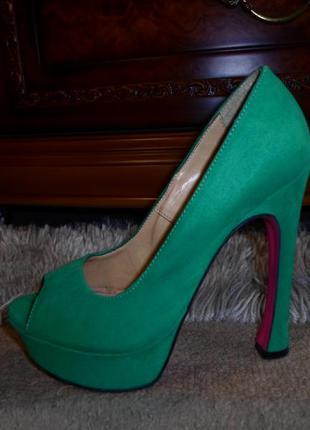 Роскошные яркие зеленые бренд. туфли max,замша,италия