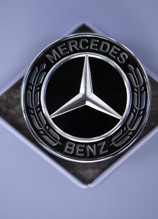 Эмблема значок - Mercedes фирменная.