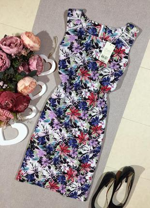 Новое! шикарное льняное платье в цветочный принт.