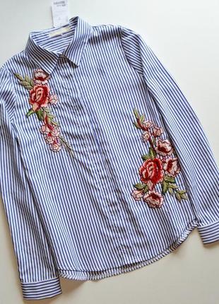 Стильная рубашка в полоску с вышивкой цветы
