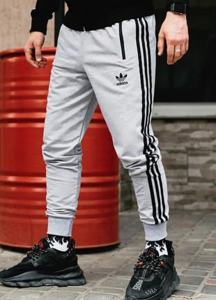 Спортивные штаны в стиле Adidas Originals