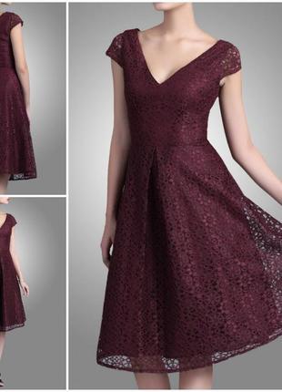 Роскошное платье из кружева цвета марсала