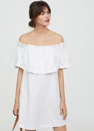 Нежное платье с открытыми плечами и воланами хлопок