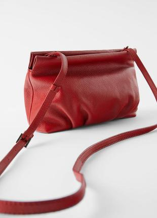 Кожаная красная сумка zara
