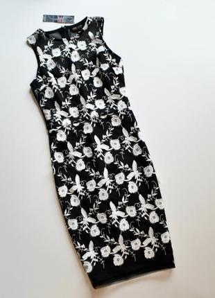 Шикарное облегающее платье с выбитыми кружевными цветами lipsy...