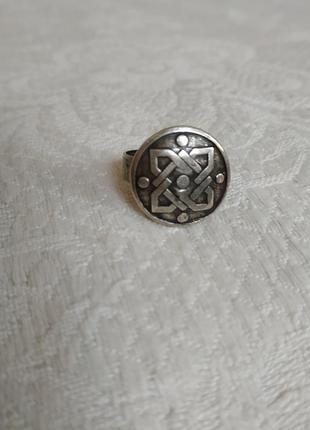 Кольцо-перстень из металла с изображением кельтского узора