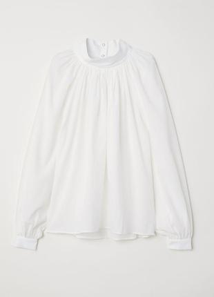 Стильная белая блуза h&m на кнопках