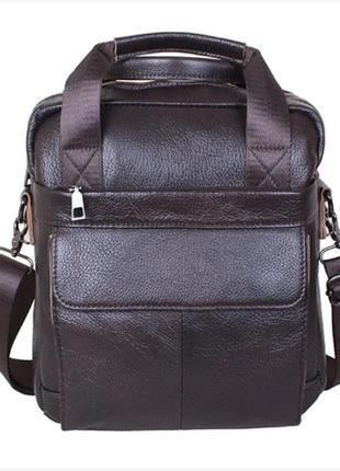Вместительная мужская сумка коричневая