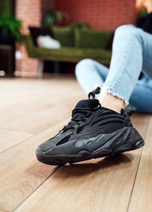 Кроссовки adidas yeezy boost 700 v2 black