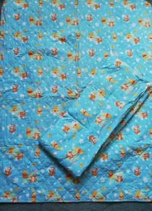 Disney фирменное покрывало и защитный бортик в детскую кроватку
