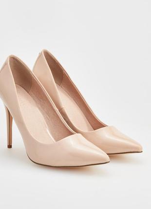 Стильные лаковые туфли лодочки reserved