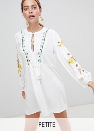 Платье свободного кроя  с вышивкой  бренда boohoo (2503)