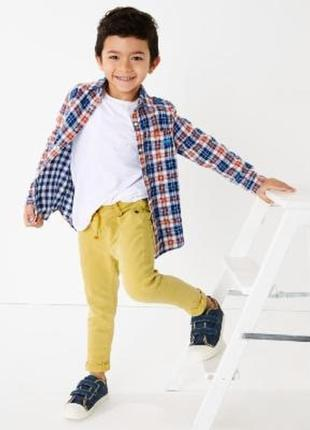 Фирменные джинсы, штаны, джоггеры для мальчика marks & spencer...