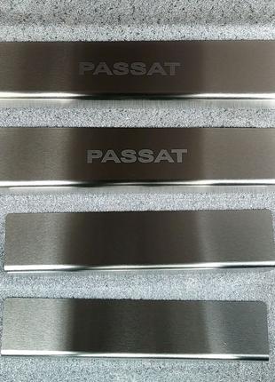 Накладки на пороги Volkswagen Passat B7 2012- американец