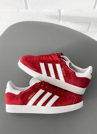 Шикарные женские кроссовки adidas gazelle бордовые