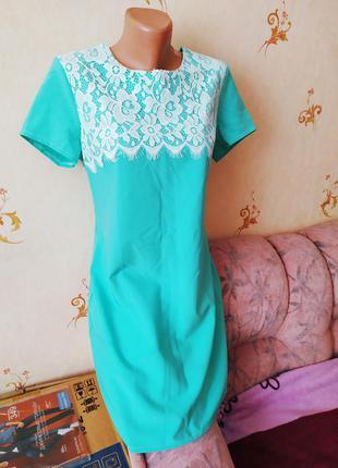 Роскошное мятное платье с гипюром