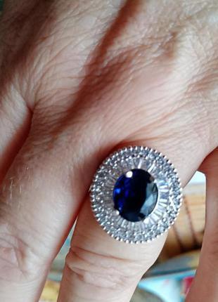 Кольцо с красивым камнем лондон блу топаз