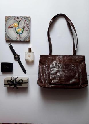 Добротна сумочка leather