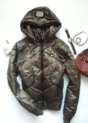 Курточка з капюшоном clasna