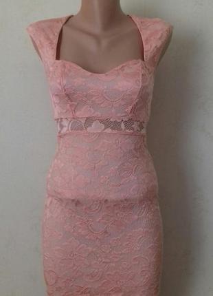 Красивое кружевное платье по фигуре river island