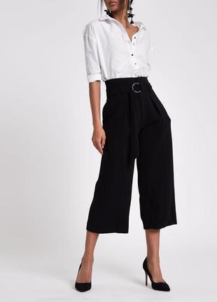 Стильные брюки кюлоты river island черные широкие брюки с поясом