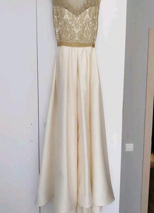 Платье белое длинное свадебное праздничное