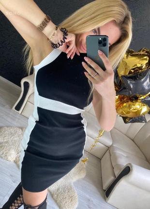 Чёрное трикотажное платье миди