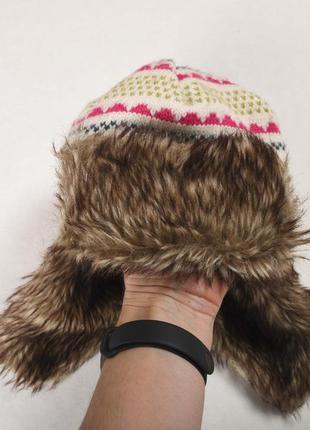 Белая вязаная шапка-ушанка george с искусственным мехом
