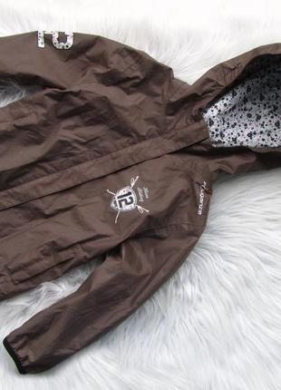 Стильная ветровка куртка с капюшоном fouganza