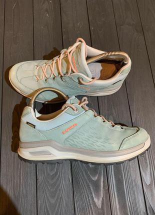 Женские кроссовки Lowa Gore-tex 41 размер