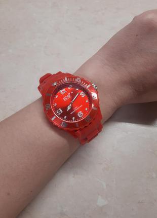 Женские наручные часы ice watch