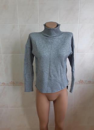 Серый свитер olko