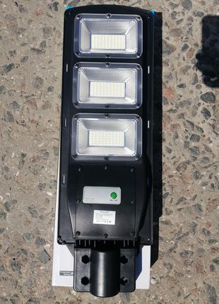 Прожектор на солнечной батарее 60 ватт