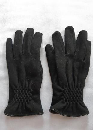 Чёрные трикотажные перчатки с утеплителем
