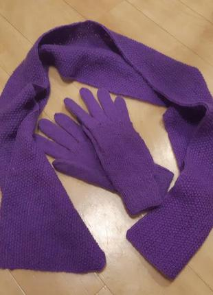 Вязаные шарф и перчатки
