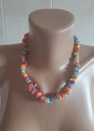 Разноцветные бусы колье ожерелье украшение