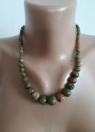 Колье ожерелье бусы из яшмы зелёной