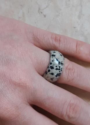 Кольцо из натурального камня